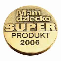 """""""Magazyn dla rodziców MAM DZIECKO"""" przyznał BEFADO statuetkę Super Produkt w kategorii """"Odzież i Obuwie"""". Nagrodzone zostało obuwie tekstylne dla dzieci. Doceniono bardzo dobre wykonanie z naturalnych materiałów i nowoczesne formy, zwrócono również uwagę na dostępność i różnorodność wzorów, w którym doceniono bardzo dobre wykonanie i nowoczesne formy."""